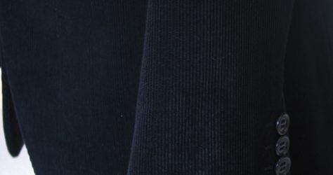 黒コーデュロイジャケット・袖フレア